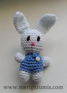 Conejito broche azul2
