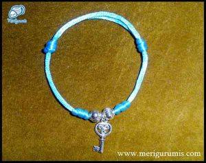 Pulsera llave azul