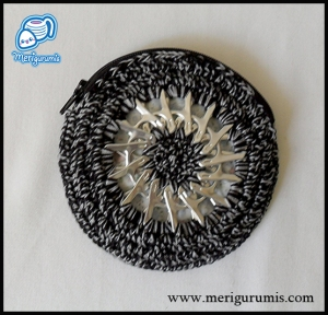 Monedero negro-plata